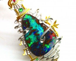 14.52g  DESIGNED OPAL PENDANT SOLID GOLD AND DIAMONDS   GC