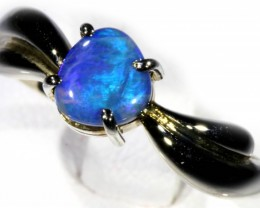SIZE 7 BLACK OPAL SET IN 18K GOLD RING  CJ930