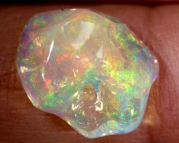 3.9CTS MEXICAN FIRE OPAL CARVED STONE FOB-1069