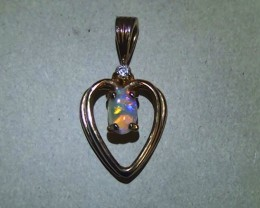 5.85 ct Beautiful 925 Silver Rainbow Coober Pedy Opal Pendant