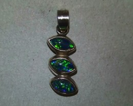 5.60 ct Beautiful 925 Silver Gem Blue Green Triplet Opal Pendant