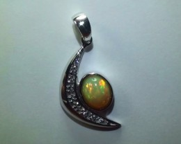16.0 ct Stunning Modern 925 Silver Solid Welo Opal Pendant