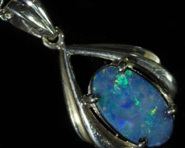 1.10 cts Cute Doublet opal pendant in sterling silver QO2911