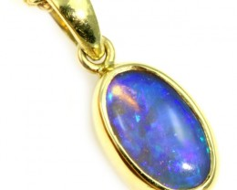 Enhanced Crystal Opal Set in 18K Yellow Gold Pendant CF1225