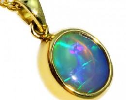 Enhanced Crystal Opal Set in 18K Yellow Gold Pendant CF1227
