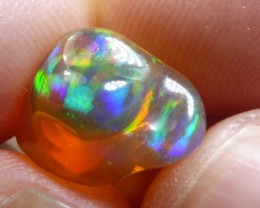 4.5 carats Mexican Crystal Red Opal Bright Fire Multi-Color
