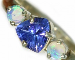 8 SIZE CRYSTAL OPAL AND TANZANITE SILVER  RING [SOJ5847]