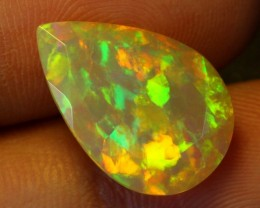 4.17carats Rainbow Faceted Ethiopian Welo Opal