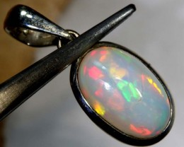 8.9CTS ETHIOPIAN OPAL SILVER PENDANT FOB-1192