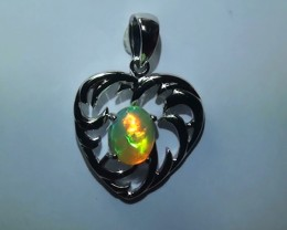 22.5 ct Stunning Modern 925 Silver Solid Welo Opal Pendant