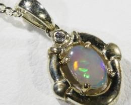1cts Crystal opal pendant in Sliver set QOM1656