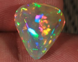 6.92CT EXTREMELY BRIGHT WELO OPAL WITH NEON 5/5 FIRE!!