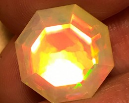 11.5ct Brilliant 5/5 Faceted  Welo Ethiopia Opal Cab