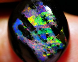 6.60 CRT DELUXE RAINBOW RIBBON PATTERN WOOD FOSSIL INDONESIAN OPAL