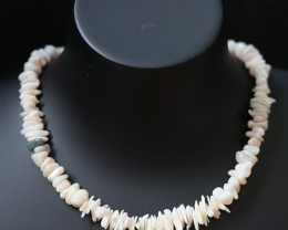 135Cts  Coober Pedy strand beads QOM1704