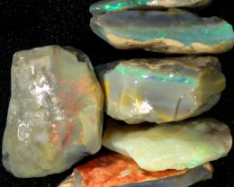 88.40 CTS GAMBLE  COLOURFUL ROUGH PARCEL FROM LIGHTNING RIDGE[BR5976]