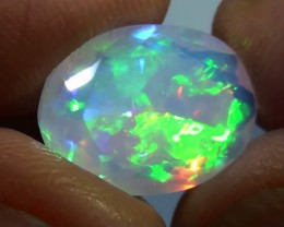 3.30 ct Top Quality Full Face Gem Rainbow Welo Facet M68