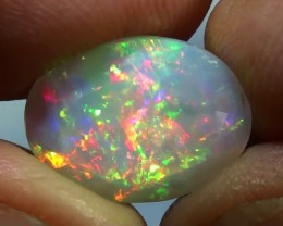 3.90 ct Top Quality Full Face Gem Rainbow Welo Facet M62