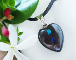 Lovers opal inlay Heart Pendant Su 13