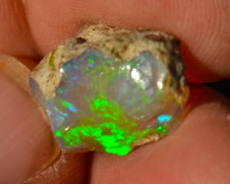 6.37ct Cutting Rough Quality Colorful Welo Opal No Reserve