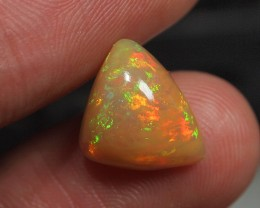 3.25CRT BRILLIANT BRIGHT ETIOPIAN WELLO OPAL CARAMEL