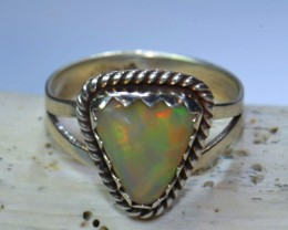 8sz HIGH QUALITY STERLING .925 SOLID OPAL RING