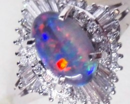 PRETTY  OPAL SET IN PLATINUM RING