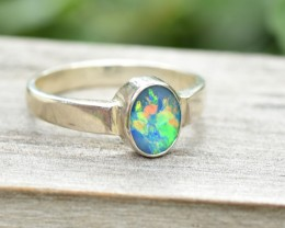 Opal Shimmer Ring - Silver - Size 7 (OR4)