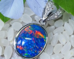 Cute Triplet Opal set in Silver Pendant  SU619