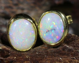 Crystal  Opal set in 18k yellow gold Earring SU662