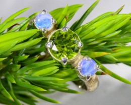 7 SIZE PERIDOT AND SOLID CRYSTAL SILVER RING-[SOJ6332]