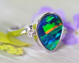 Large Brtight  Opal Doublet opal in 14k Yellow  gold Ring   SU1032