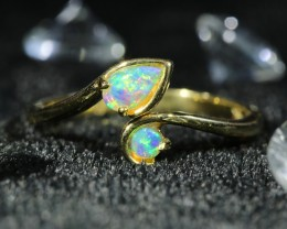 Cute  Opal Crystal  opal in 14k Yellow  gold Ring   1037