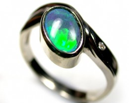 STRIKING GREEN FIRE OPAL 18K WHITE GOLD RING SIZE 7 SCO1939