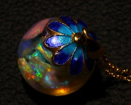 Floating Opals Necklace pendant 6+ Carats beautiful bright Lightning Ridge