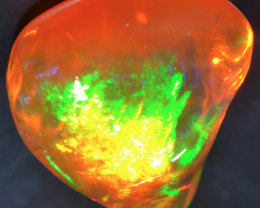 3.69ct STUNNING MEXICAN FIRE OPAL EXTREMELY BRIGHT CARVED