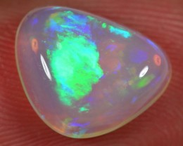 2.5 CT WELO OPAL CABACHON - VERY BRIGHT CRYSTAL OPAL