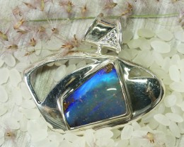 BEAUTIFUL NATURAL BOULDER OPAL  SILVER PENDANT L2524