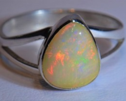 Sz8  WHITE  SOLID WELO OPAL QUALITY .925 STERLING FABULOUS RING
