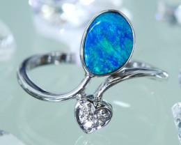 Cute  Opal Doublet opal in 14k White  gold Ring size 6  SU1339