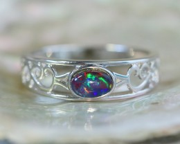 Cute  triplet  opals in stylish silver ring  SU 1509