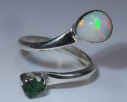 SZ7 ETHIOPIAN WELO OPAL AND EMERALD HIGH QUALITY .925 STERLING FABULOUS RIN
