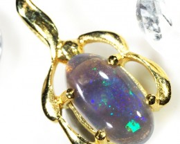 BEAUTIFUL MAUVE FLASH BLACK OPAL 18K GOLD PENDANT SCO242