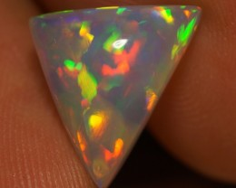 2.56 CT WHITE BASE MULTI RAINBOW FLASHY ETHIOPIAN OPAL-AE379