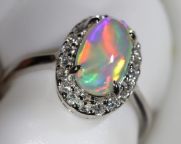 5 SIZE14 K GOLD CRYSTAL OPALS WITH DIAMOND ENGAGEMENT RING [SOJ6454]