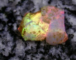 8.21ct HIGH QUALITY BRAZILIAN CRYSTAL OPAL ROUGH CLEAN AND WITH NO CRACKS O