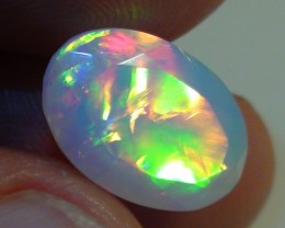 4.95 ct Stunning Full Face Gem Rainbow Welo Facet