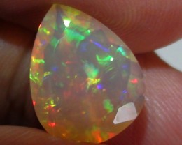3.05 ct Stunning Full Face Gem Rainbow Welo Facet