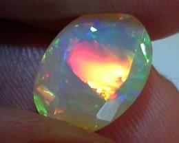2.85 ct Stunning Full Face Gem Rainbow Welo Facet