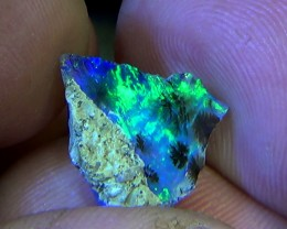 3.80 cts Ethiopian Welo FLASH blue crystal opal N9 4/5